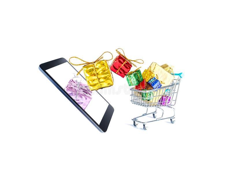 Stubarwni prezentów pudełka z pięknymi złotymi łękami latają z smartphone ekranu i spadają w wypełniającego wózek na zakupy ilustracji