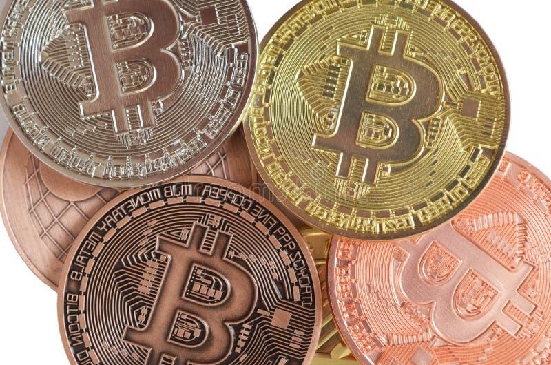 Stubarwny bitcoin ukuwa nazwę zbliżenie na białym tle zdjęcie stock