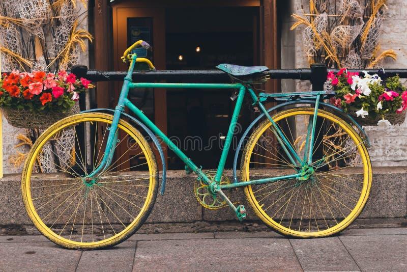 Stubarwny rocznika rower obrazy royalty free