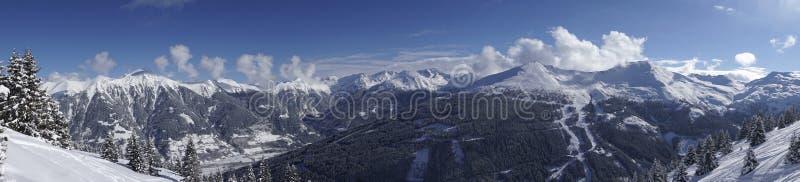 Stubnerkogel panoramy widok przy Złym Gastein ośrodkiem narciarskim obrazy stock