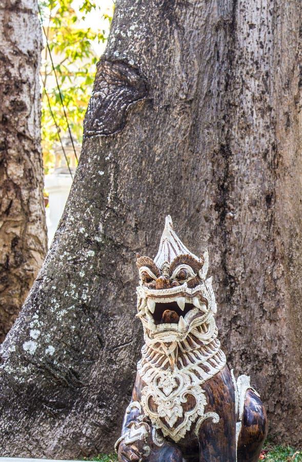 Stucco tailandese del leone fotografie stock