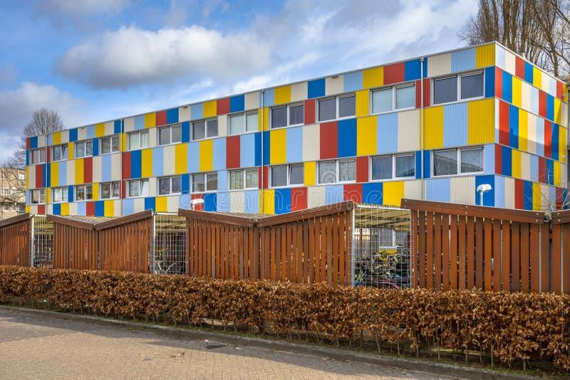 Studencki budynek mieszkalny w kontenerach zdjęcie royalty free
