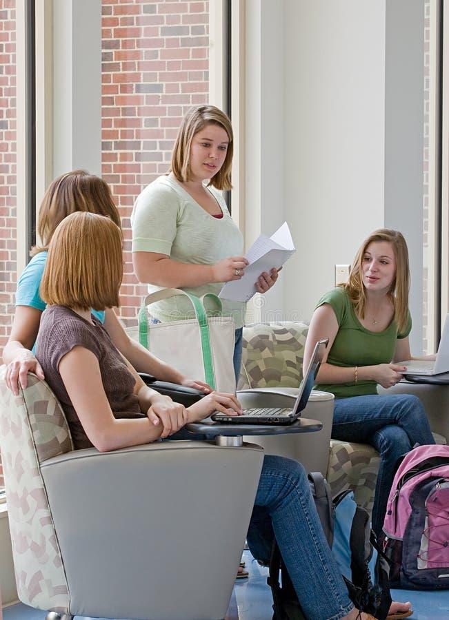 studentów collegu target1610_1_ zdjęcia stock