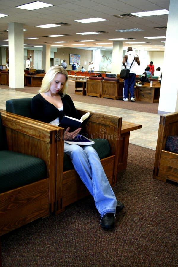 Student bij Universiteit royalty-vrije stock foto's
