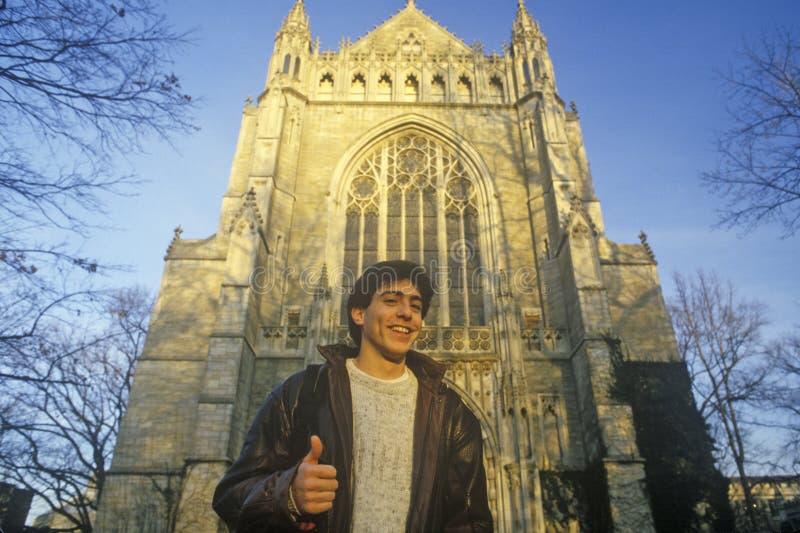 Student buiten Princeton-Universiteit, NJ royalty-vrije stock fotografie