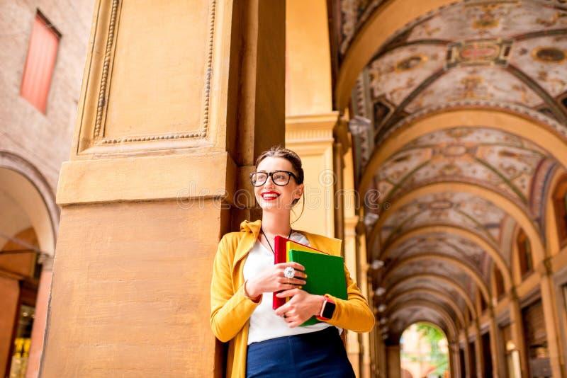 Student in de stad van Bologna stock foto's