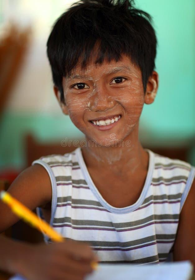 Student met Thanaka in Myanmar stock fotografie