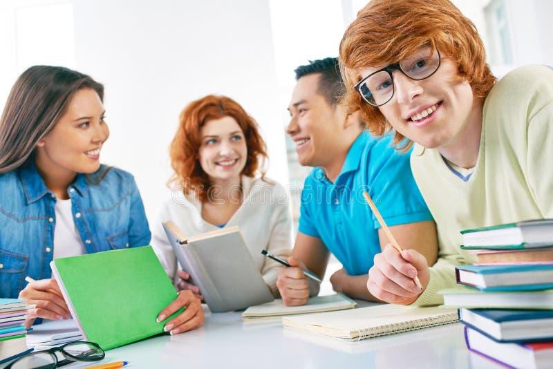 Student in oogglazen stock afbeelding