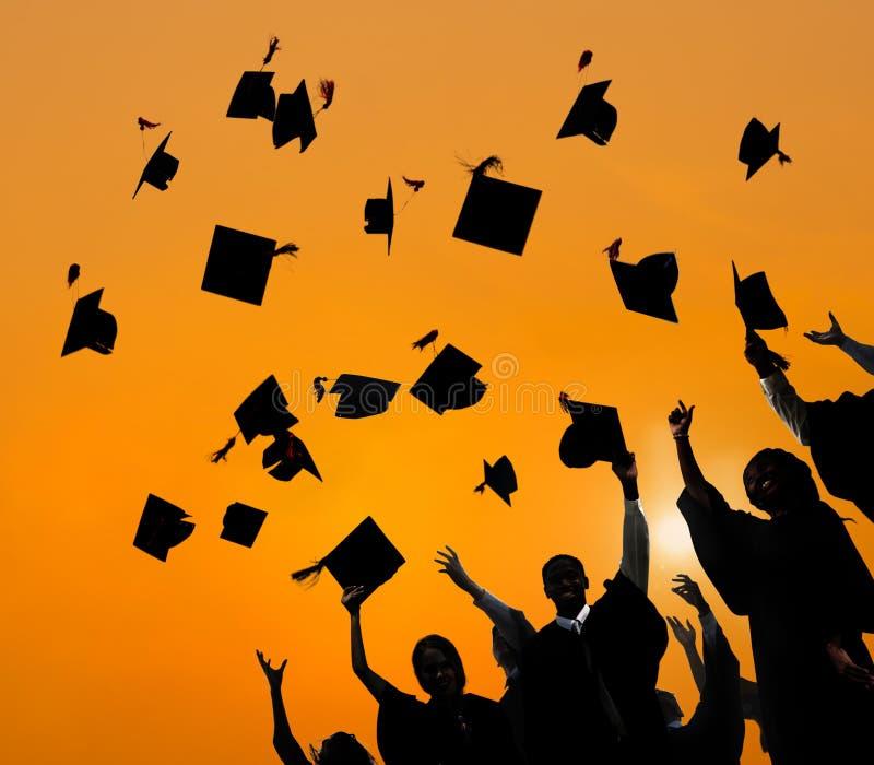 Student Success Learning Concep för berömutbildningsavläggande av examen royaltyfria bilder