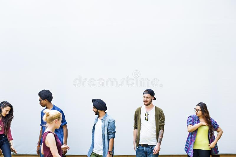 Student-Teamwork-Glück-lächelndes Konzept stockbilder