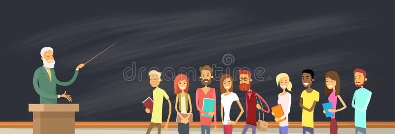 Studente Group Over Blackboard con il professor, conferenziere dell'università illustrazione di stock