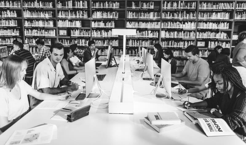 Studente Learning Concept della biblioteca di tecnologia fotografie stock