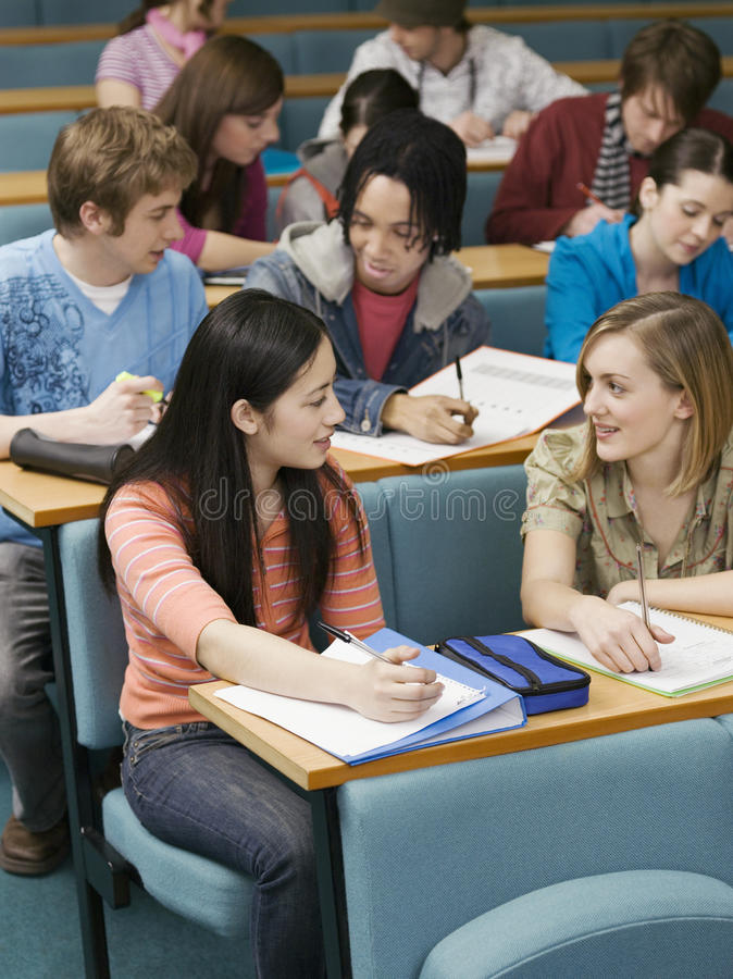 Studenten in Lezingszaal royalty-vrije stock fotografie