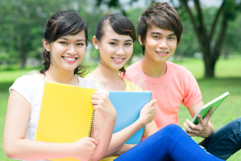 Studenten in openlucht royalty-vrije stock foto