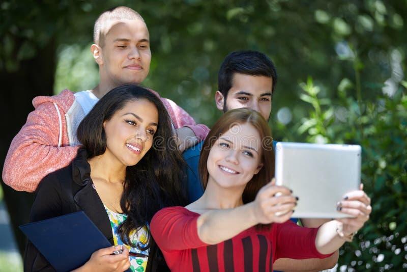 Studenten selfie lizenzfreie stockfotos