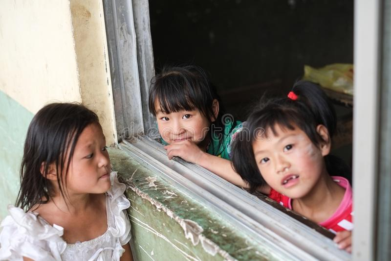 Studenter i Guizhou bergregion arkivfoto
