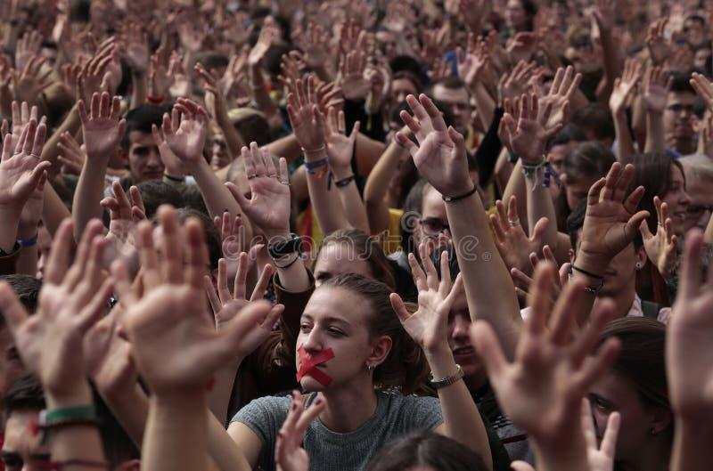 Studenter på den Barcelona demostrationen för självständighet