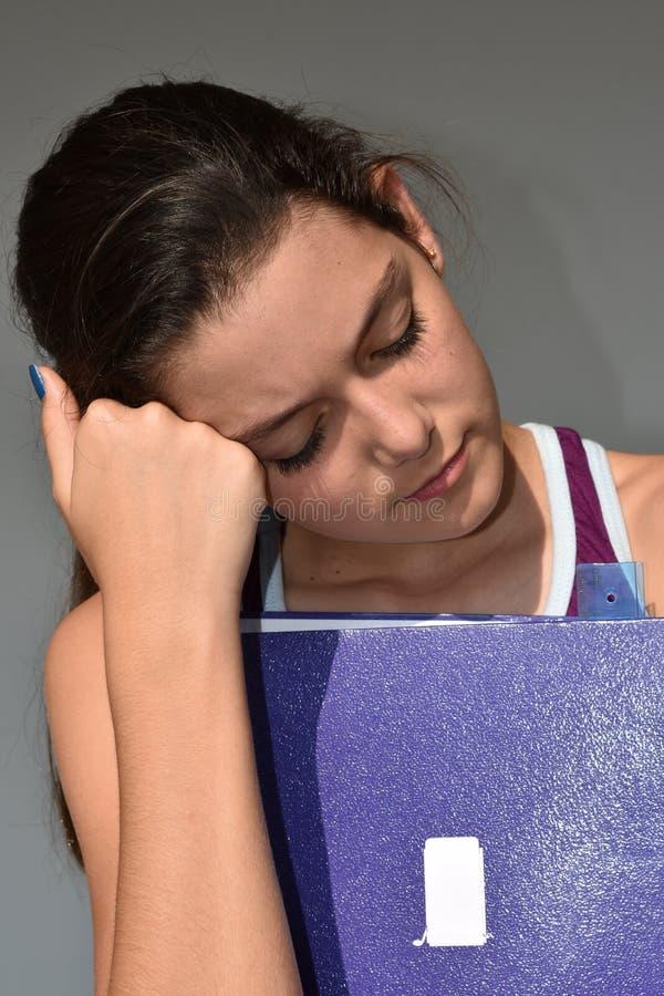 Studentessa sveglia sonnolenta immagini stock libere da diritti