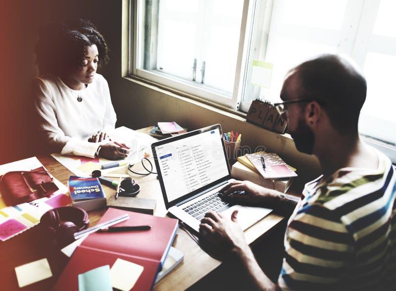 Studenti Team Partner Teamwork Working Concept fotografie stock libere da diritti
