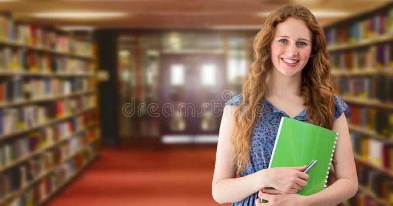 Studentkvinna i utbildningsarkiv fotografering för bildbyråer