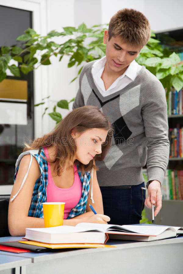Free Students In A Library Stock Images - 27347414