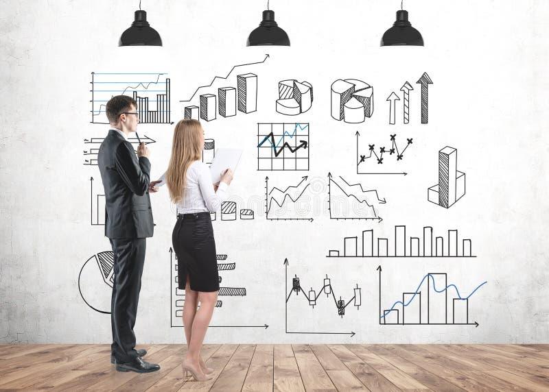 Studera för affärspartners som är infographic, och statistik arkivfoto