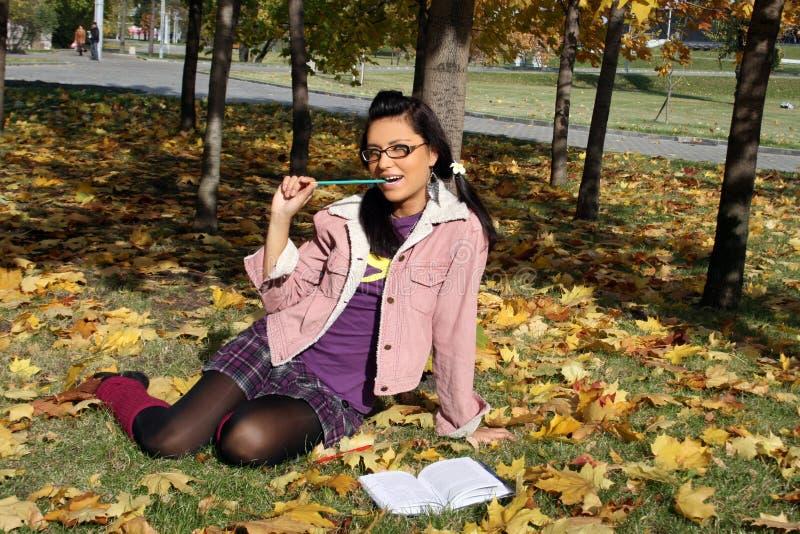 studera för flicka för högskola roligt arkivfoton