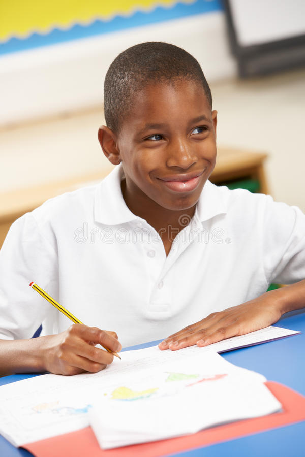 studera för klassrumschoolboy royaltyfri fotografi