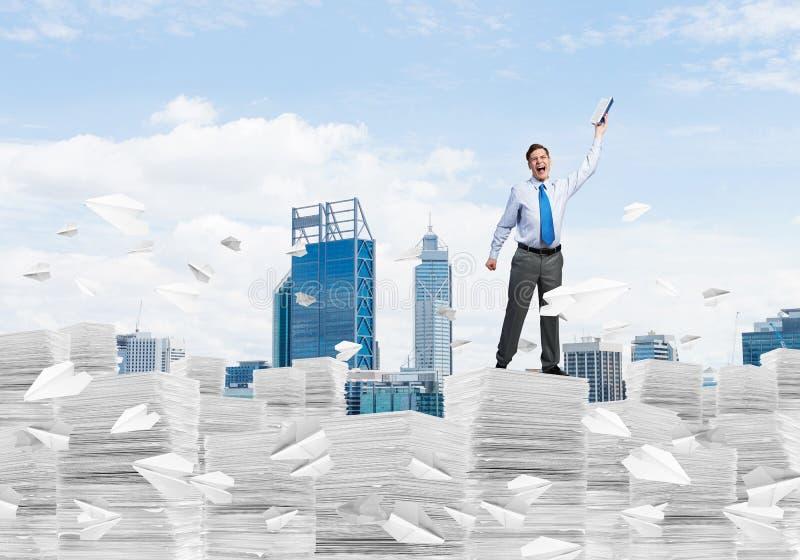 Studie stark, zum erfolgreicher Gesch?ftsmann zu werden lizenzfreie stockbilder