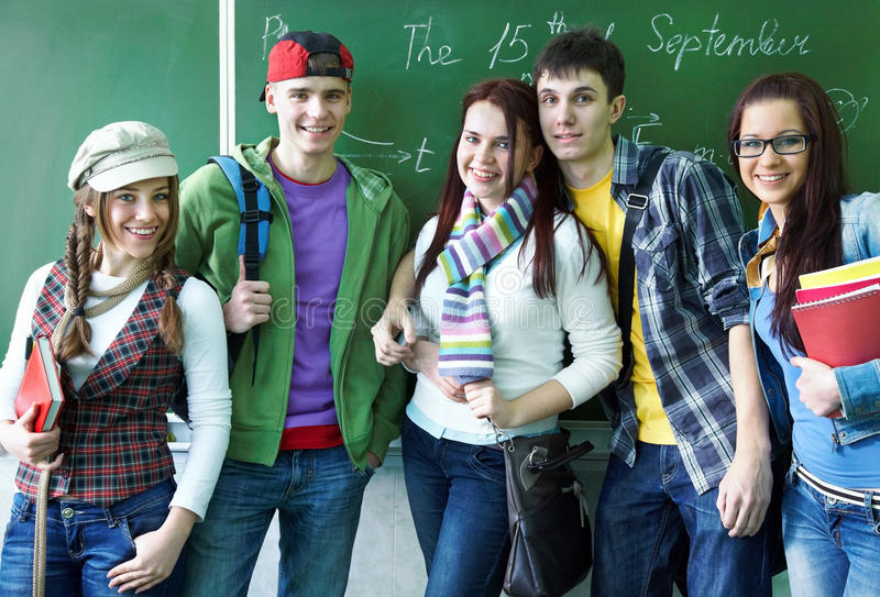 Studiegroep in klaslokaal royalty-vrije stock foto