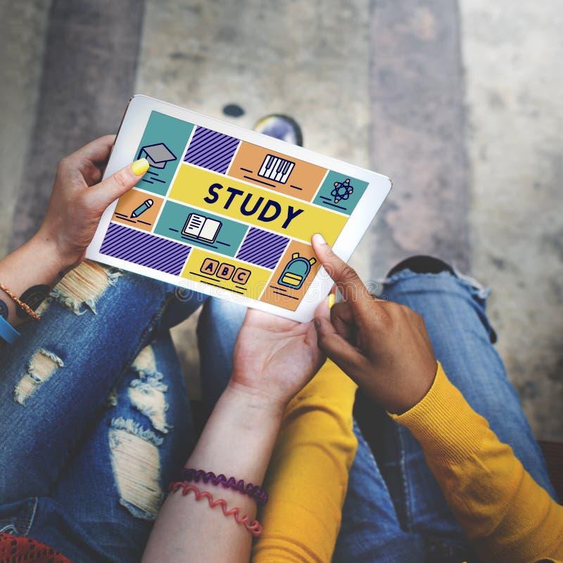 Studien-Bildungs-Schulungs-Klassen-Wissens-Konzept lizenzfreie stockfotos