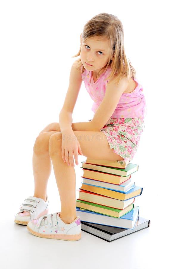 Studieren des kleinen Mädchens lizenzfreies stockfoto