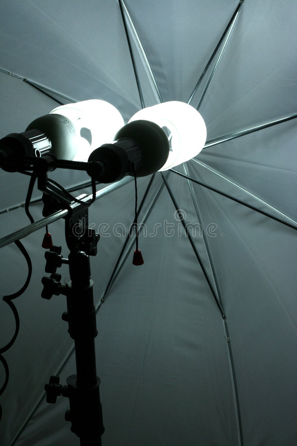 Download Studio arkivfoto. Bild av shine, lampor, två, studio, foto - 516744