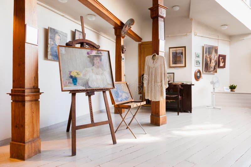 Studio av den latvian konstnären av den latvian konstnären Janis Rozentals i museum av Art Nouveau stil arkivfoto