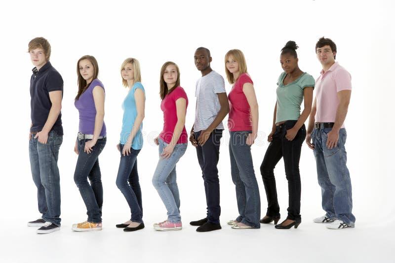 studio de groupe d'amis d'adolescent images stock