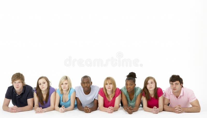 studio de groupe d'amis d'adolescent photographie stock
