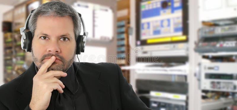 Studio della televisione dell'assistente tecnico sano fotografia stock libera da diritti