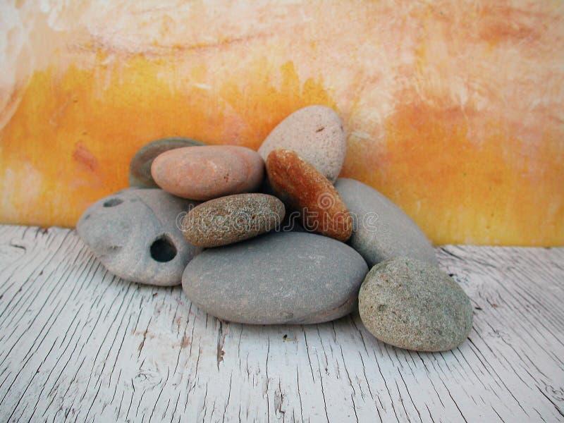 studio för 2 stenar för strand ljus naturlig royaltyfri fotografi