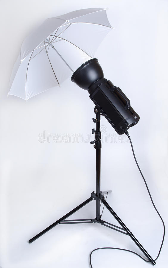 Free Studio Flash With Umbrella Stock Photos - 10952063