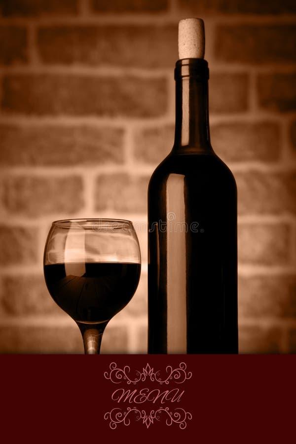 Studio Strzelał wino butelki i szklana menu ilustracja royalty ilustracja
