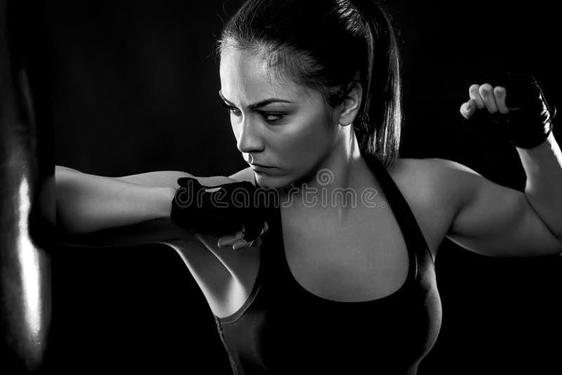 Studio strzelający żeński bokser zdjęcie stock