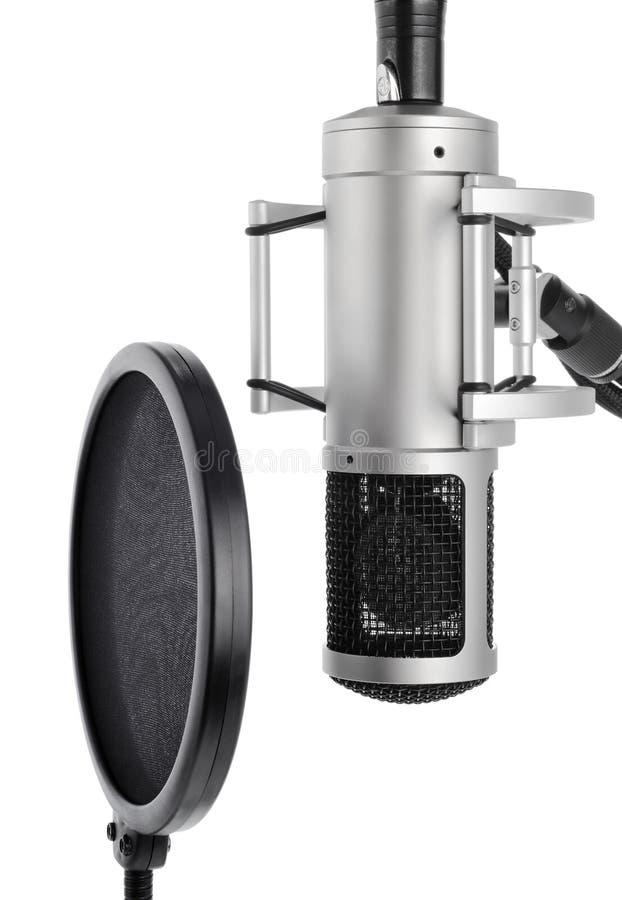 Studiomikrofon mit Knallfilter stockbilder