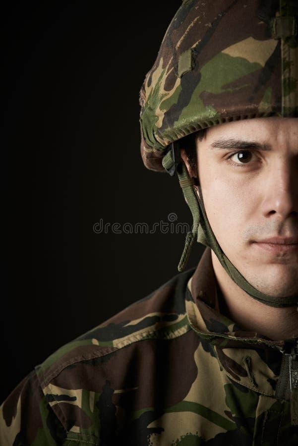 Studioportret van Militair In Uniform stock afbeeldingen
