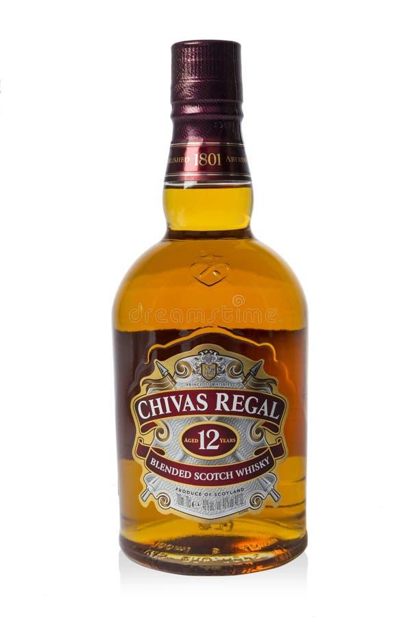 Studioskott av en flaska av Chivas Regal på vit bakgrund royaltyfria foton
