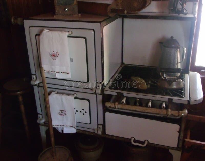 Stufa antica e forno della casa americana fotografia stock libera da diritti