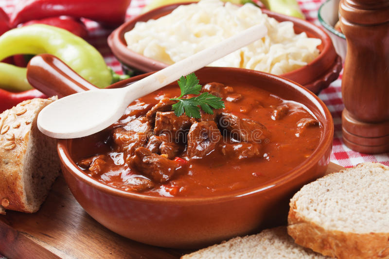 Stufato o goulash di Beew immagine stock