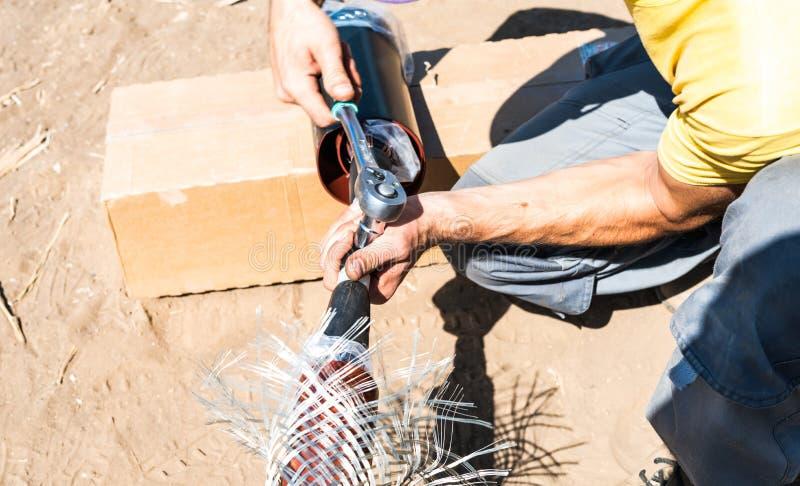 Stufen von Prozessen der Kabelkupplung bis 35.000 Volt stockfoto