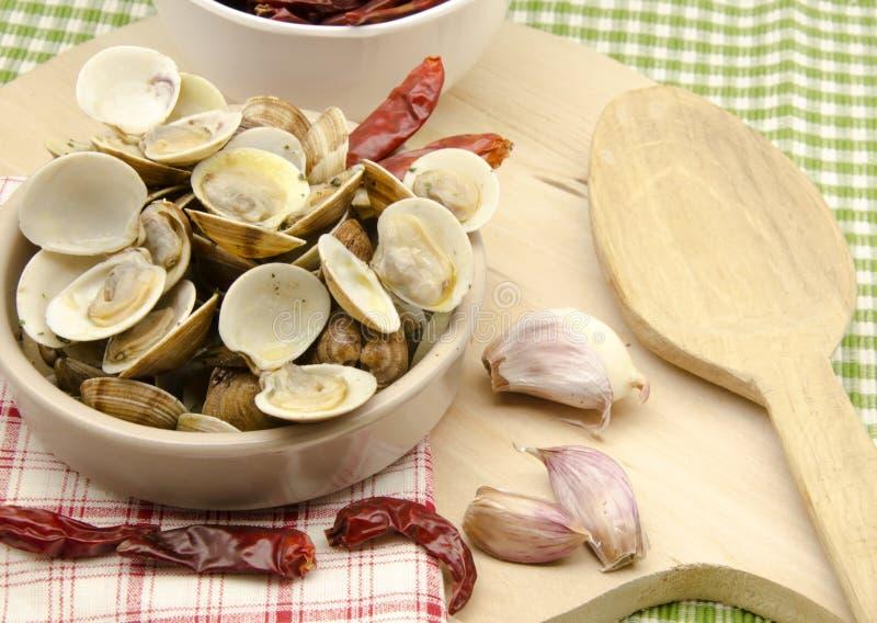 Stufi i molluschi cotti a vapore fotografia stock libera da diritti