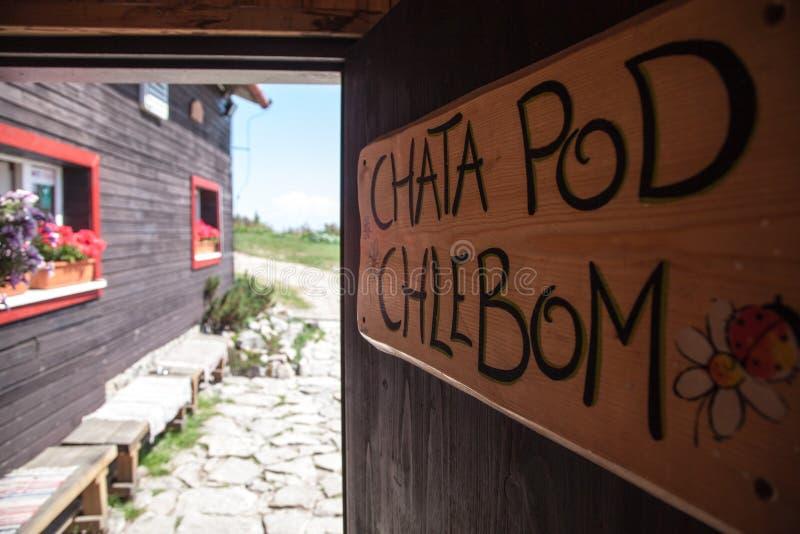 Stuga - Chata fröskida Chlebom - Slovakien royaltyfria bilder