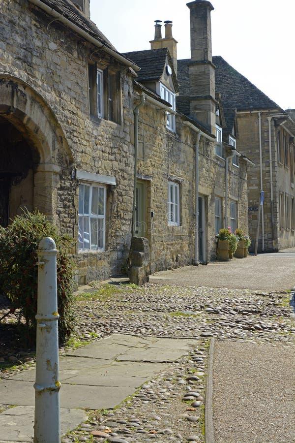 Stugor i Burford, Oxfordshire, England fotografering för bildbyråer